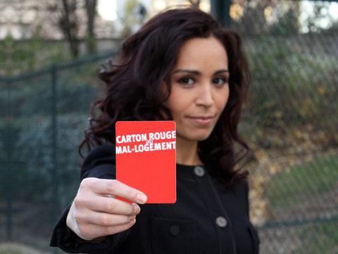 Aïda Touihri avec un carton rouge -crédit photo : © YC/FAP