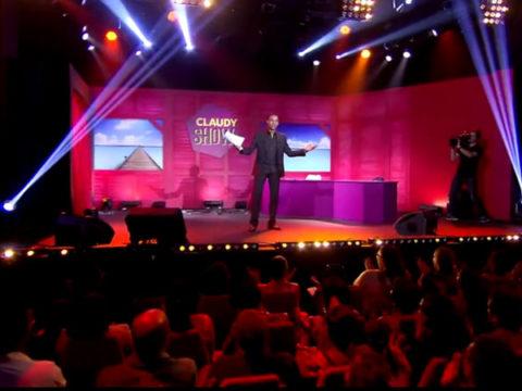 Claudy Siar sur la scène du Claudy Show