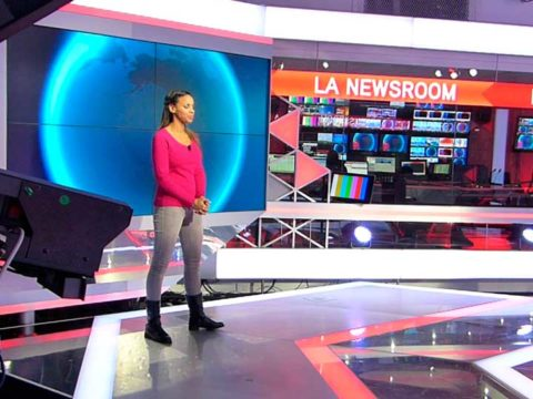 Alicia Fall présente la météo - crédits photos ; Damien D. / TéléSphère;