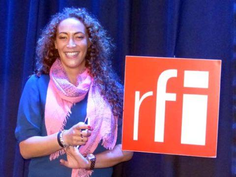 Juliette Fiévet dans les studios de RFI - crédit photo : ©Damien D. / TéléSphère