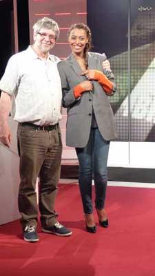 Samira Ibrahim et un technicien