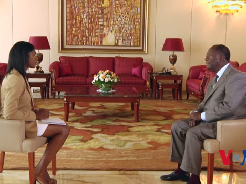 Tatiana Mossot interviewe Alassane Ouattara