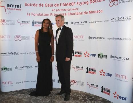 Samira Ibrahim et Bernard de la Villardière - crédits : Cédric Danonville - AMREF Flying Doctors