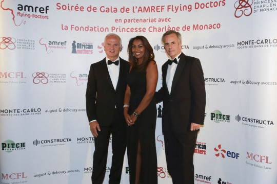 Nicolas Mérindol, Samira Ibrahim, Bernard de la Villardière - crédits : Cédric Danonville / AMREF Flying Doctors