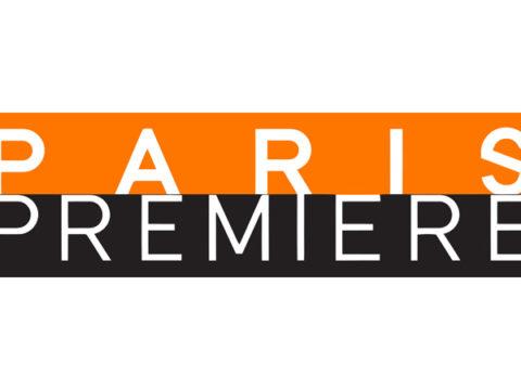 «Paris Première 2011» par Groupe M6 — http://pictus.fr/ftp/DP_PP.pdf : PDF de la chaîne.. Sous licence marque déposée via Wikipédia - https://fr.wikipedia.org/wiki/Fichier:Paris_Premi%C3%A8re_2011.svg#/media/File:Paris_Premi%C3%A8re_2011.svg