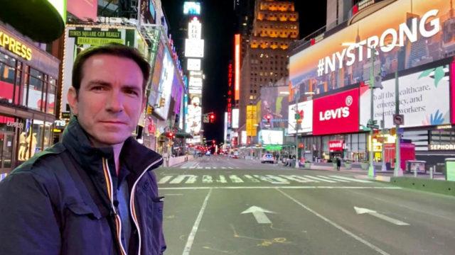 Cédric Faîche à Times square désert pendant l'épidémie de Covid19 - telesphere.fr